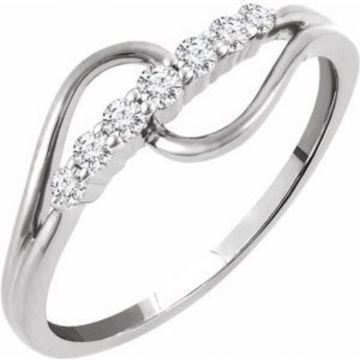 14K White 1/5 CTW Diamond Ring